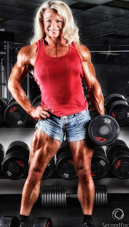 IFBB Proferssional Bodybuilder Tina Chandler in Palm Springs
